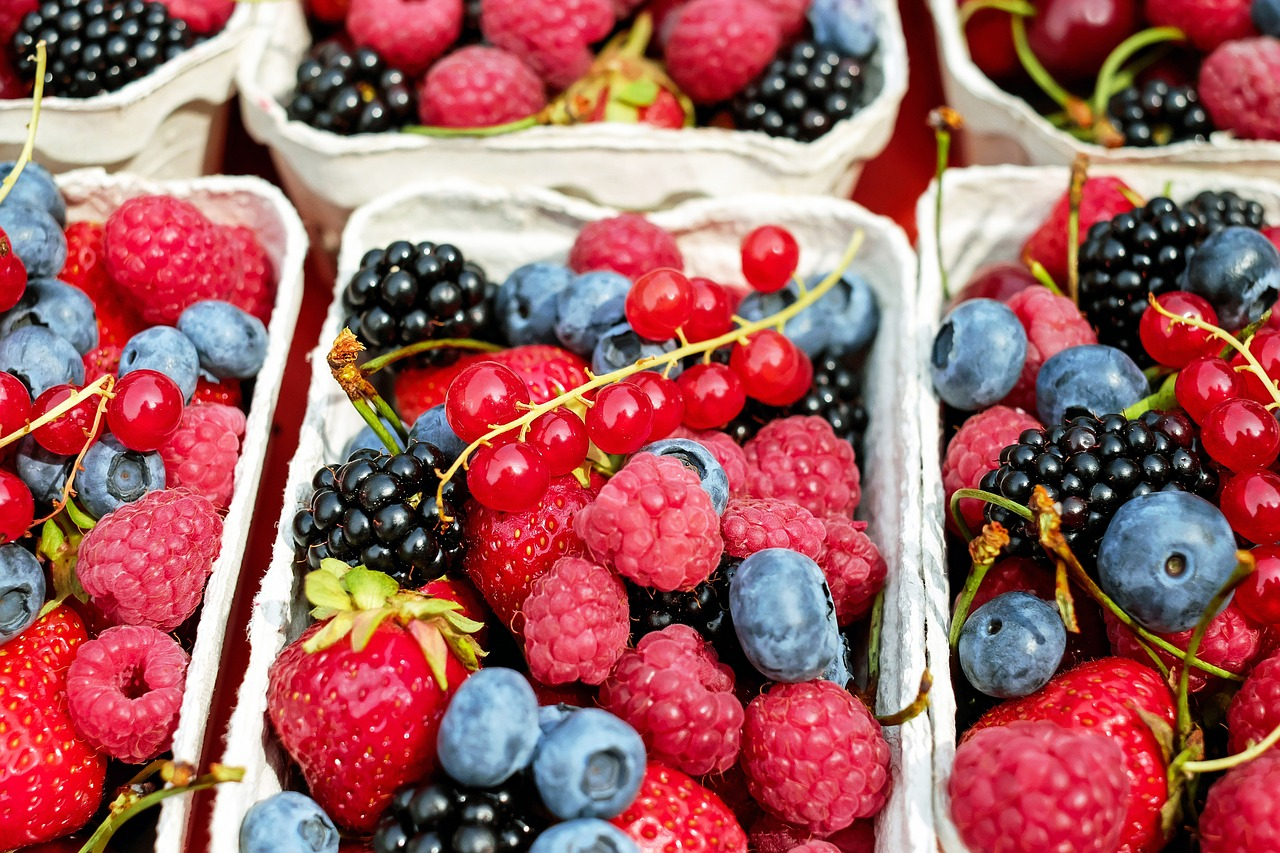 berries, skin health, superfoods, antioxidants