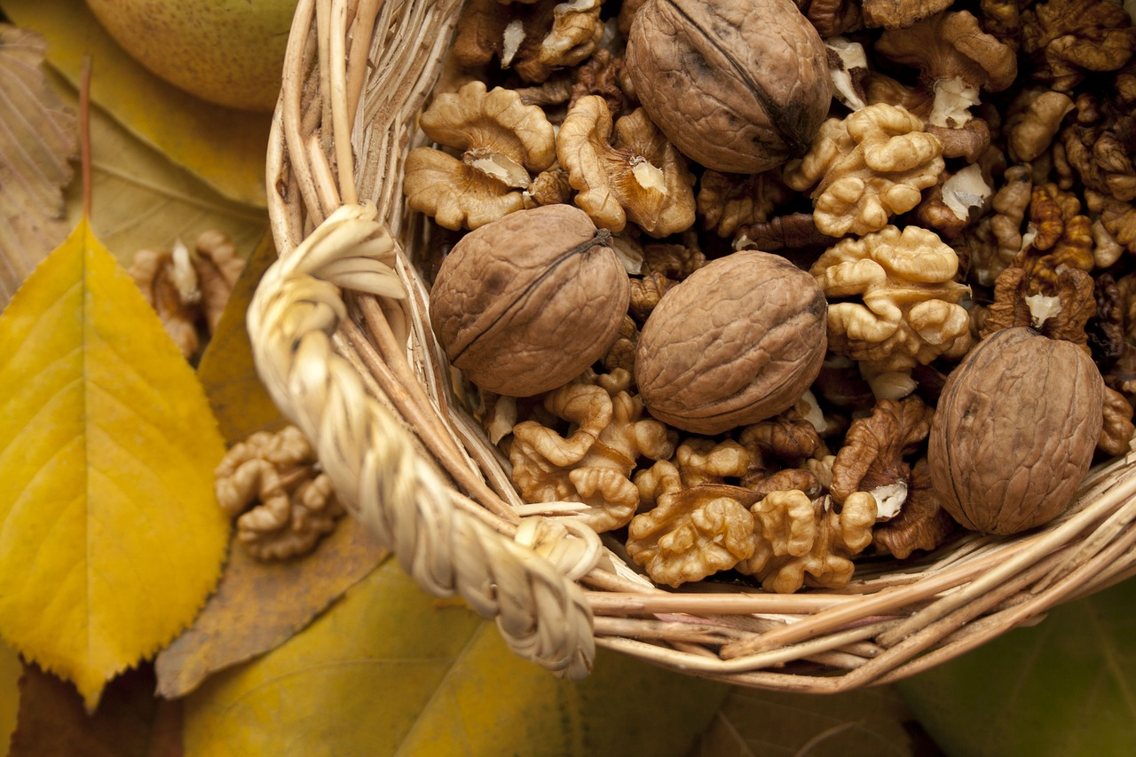walnuts, skin health, superfoods, antioxidants, omega-3